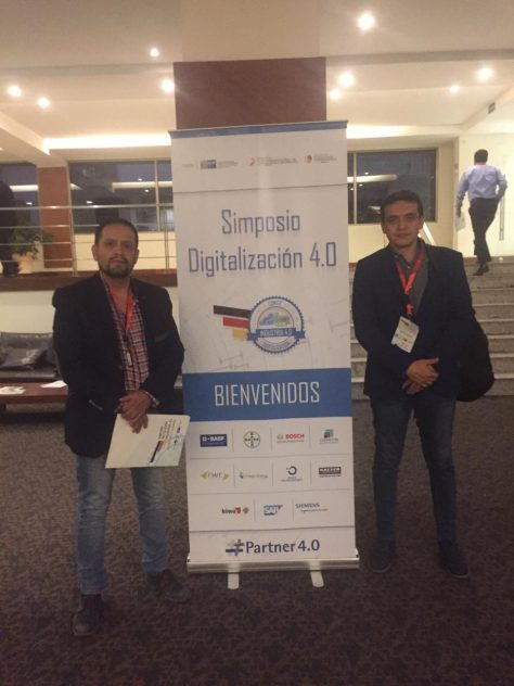 Investigadores del GIHP4C en el Simposio Industria 4.0 (I) Walter Verdugo Romero, (D) Jairo Sacoto Cabrera